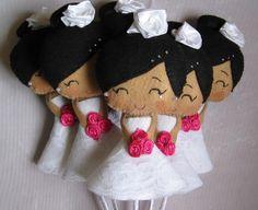 Buquê com 6 noivinhas, confeccionado em feltro. * bonecas adicionais: 14,50 R$ 108,00