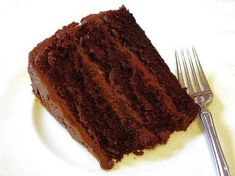 We love our desserts around here. You can tell this from the previous posts about chocolate chip cookies , chocolate sandwich cookies , pl. Bake My Cake, Chocolate Chip Cookies, Chocolate Cakes, Sandwich Cookies, Tiramisu, Baking, Eat, Ethnic Recipes, Food