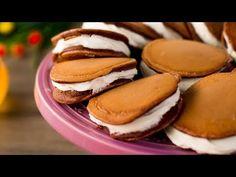 Atât de cremoase încât nu te poți opri din mâncat-clătite americane de ciocolată cu cremă| SavurosTV - YouTube Crepes, Biscotti, Food And Drink, Sweets, Cookies, Breakfast, Pancakes, Sweet Recipes, Deserts