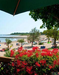 Camping Tenuta Primero, Grado, Italien, direkt am Sandstrand, Sommerurlaub, Familienurlaub, Außenpol, Kinderbecken, Kinderspielplatz, Animationen, Golf, Tennis, Fahrradverleih, Tretbootenverleih, Wäscherei, Internet Point, WLAN, Parkplatz.