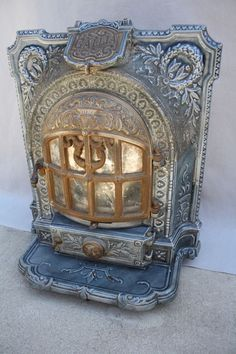 Antique French parlor stove - for master bedroom Antique Wood Stove, How To Antique Wood, Vintage Wood, French Antiques, Vintage Antiques, Home Fireplace, Fireplaces, Design Art Nouveau, Stove Heater