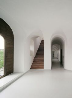 It would be worth taking the Vow of Silence for this. John Pawson - Abbey of Our. - It would be worth taking the Vow of Silence for this. John Pawson – Abbey of Our… It would be - Interior Exterior, Exterior Design, Interior Architecture, Ancient Architecture, Sustainable Architecture, Landscape Architecture, Types Of Architecture, Arch Interior, Stairs Architecture