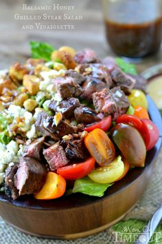 Balsamic Honey Grilled Steak Salad and Vinaigrette | MomOnTimeout.com