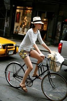 stripes with floral shorts Bike Style, Style Me, Popular Hats, Bike Rider, Bicycle Girl, Vacation Style, Floral Shorts, Panama Hat, Baby Strollers