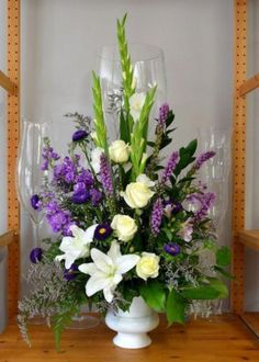 New Basket Wedding Centerpieces Floral Arrangements 59 Ideas Altar Flowers, Church Flowers, Funeral Flowers, Funeral Floral Arrangements, Large Flower Arrangements, Garden Types, Diy Garden, Memorial Flowers, Sympathy Flowers