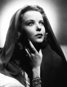 IDA LUPINO 1918-1995.Silver screen star and brilliant, ground-breaking director (first female) . Such an amazing talent!