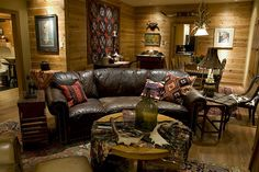 Ranch Style Home Traditional Living Room Houston by Lindee Knowles Flying L Creative Dinner Recipes For Kids, Dinners For Kids, Cabin Homes, Log Homes, Casino Buffet, Lodge Style Decorating, Art Deco Invitations, Falling Stars, Ranch Style Homes