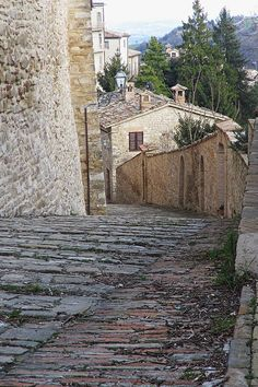 Cingoli, Marche, Italy - Medieval village, foreshortening by Gianni Del Bufalo #destinazionemarche #marche #marchesummer15 - (CC BY-NC-SA 2.0) इटली  意大利 Italujo イタリア Италия איטאליע إيطاليا