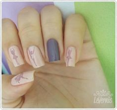 come on seriously..who the heck can do nails like this! even so..id love to have these nails lol