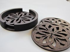 Coaster Rosa Set of 4 with Holder by Horseshoe Summer Featured Vendor carolineYmarco Motif Arabesque, 3d Printed Objects, Laser Cutter Projects, Glass Holders, Antique Decor, Laser Cut Wood, Wood Coasters, Kitchen Supplies, Scroll Saw