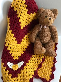 Potter Crochet Patterns Excited to share this item from my shop: Crochet Harry Potter inspired Baby Blanket, Baby Shower Gift. Baby Harry Potter, Harry Potter Crochet, Harry Potter Nursery, Harry Potter Baby Shower, Crochet Bebe, Crochet Gifts, Free Crochet, Crochet Blanket Patterns, Baby Blanket Crochet