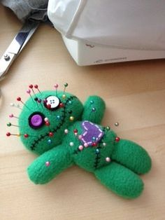 Voodoo Doll Plush/Pincushion by on Etsy, Felt Diy, Felt Crafts, Fabric Crafts, Sewing Crafts, Sewing Projects, Ugly Dolls, Creepy Dolls, Adornos Halloween, Halloween Crafts