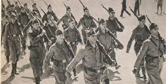 Spain - 1936. - GC - Madrid - Soldados republicanos del Quinto Regimiento…