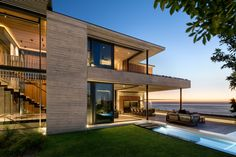 Local architecture firm Malan Vorster designs seaside Clifton House in Cape Town // Dezeen Shipping Container Home Designs, Container House Design, Farmhouse Architecture, Interior Architecture, Interior Design, Room Interior, Concrete Building Blocks, Concrete Houses, Clifton Houses