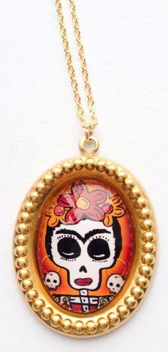 Skul pendant necklace