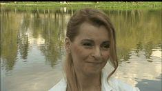 Zpěvačka Iveta Bartošová (48) má sice v poslední době kvůli exekuci na její dům v pražské Uhříněvsi, zrušeným koncertům a bolesti po operaci zubů oči pro pláč,