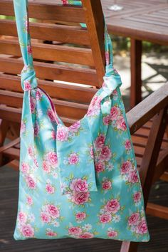 #CRAFTfest Sew Make Me - Pretty floral shopper bag in teal rose print - much better than plastic!