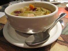 Carrabba's copycat Minestrone Soup! Made this soup on Saturday – DEELISH! Only changes I did were; I used 2 bay leaves, and added 2 beef bouillon cubes…dinner for 8 and not a drop left in any bowl! Copycat Recipes, Soup Recipes, Chicken Recipes, Recipe Chicken, Chili Recipes, Baked Chicken, Recipies, Easy Cooking, Cooking Recipes