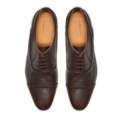 BLUCHER WITH BROGUEING ON THE CAP TOE
