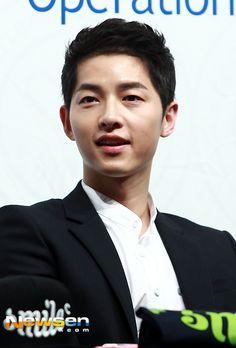 """won-jae-jinbiased: """"Song Joong Ki - FC Smile Event """" Songsong Couple, Song Joong Ki, Smile, Couples, Couple, Laughing"""