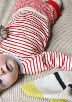 stripes for baby. 3 Kids, Baby Kids, Baby Boy, Toddler Fashion, Kids Fashion, Baby Pullover, Baby Sweaters, Kind Mode, Little Babies
