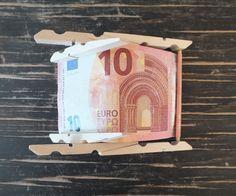 Liegestuhl aus Geldschein basteln Anleitung Schritt 4