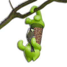 Így kell megteremteni a megfelelő egyensúlyt a macska és örök prédája, a madár között! Csüngő Cicus Madáretető! Kell Neked ettől őrültebb kerti dekoráció? http://www.crazyshop.hu/csungo-cicus-madareteto-715