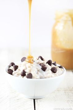salted caramel chocolate chip cookie oatmeal Its basically a dessert. A fabulous, tasty dessert Caramel Chocolate Chip Cookies, Salted Caramel Chocolate, Yummy Food, Tasty, Delicious Desserts, Eat Breakfast, I Foods, Sweet Tooth, Sweet Treats