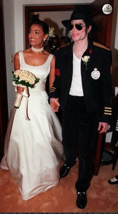Michael Jackson in Cape Town, South Africa with family - 9 October 1997