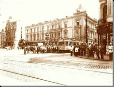 Intersecţie Bulevardul Elisabeta cu Str. Raymond Poincare (actuală Academiei) - după 1935. Bucharest, Time Travel, Traveling, Street View, Memories, Universe, Viajes, Memoirs, Souvenirs