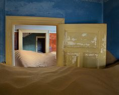 Sand-filled rooms | Photo by Ian Plant