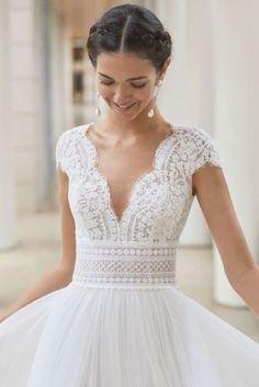 Fantasy Wedding Dresses, Simple Wedding Gowns, Wedding Dress Train, Wedding Dress Sleeves, Long Sleeve Wedding, Designer Wedding Dresses, Gown Wedding, Modest Wedding, Wedding Dresses For Guests