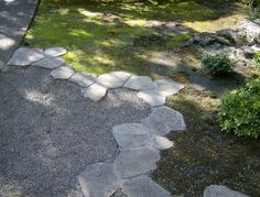 stone edging on gravel patio I want to be able to do this some day