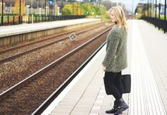 Denise Joanne | Autumn fluffy jacket | Fashion Blogger | Train station