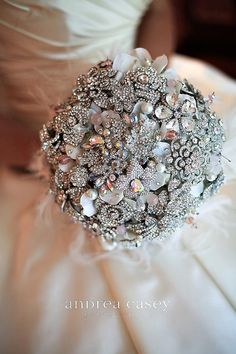 Every bride holds a bouquet, and it's a very important thing that helps to complete your bridal look. If you are looking for something special, go for a brooch bouquet. God, I just can't help admiring this cuteness! Bouquet Bling, Bridal Brooch Bouquet, Flower Bouquet Wedding, Bouquet Flowers, Crystal Bouquet, Bridal Flowers, Button Bouquet, Bouquet Toss, Floral Flowers