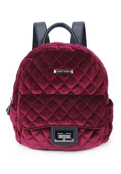 Женские Рюкзак 10630230 kari по цене 2 299 р в магазине обуви и аксессуаров/детских товаров kari.