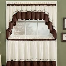Curtain white and brown for kitchen with rustic style - Cortinas para cocinas con estilo rústico Brown Kitchen Curtains, Kitchen Curtain Sets, Window Swags, Window Curtains, Window Cornices, Valances, Brown Kitchens, Tier Curtains, Buying A New Home