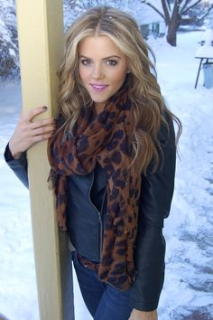 great blog for outfit ideas & lots more, love the blue and brown. Love the hair color.
