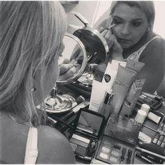 Curso de Automaquiagem de hoje para arrasar nas Festas de Fim de Ano com a minha aluna muito simpática Patricia Araujo. GRATIDÃO Amore ??#automaquiagem #cursosjacquelinefraga #make #makeup #maquiagem  #jacquelinefragamakeup #jacquelinefraga