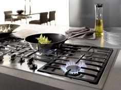 £1,029 inc FREE DELIVERY | MIELE KM2335 Gas hob | Mono wok burner | Flush Fit