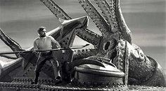 Leagues Under The Sea Nautilus Submarine, Old Disney, Vintage Disney, Nautilus Submarine, Nature Film, Sci Fi Horror Movies, Leagues Under The Sea, Sea Monsters, Rare Pictures, Submarines