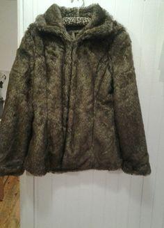 Kup mój przedmiot na #vintedpl http://www.vinted.pl/damska-odziez/kurtki/12717714-sztuczne-futro-kurtka-futrzana