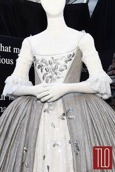 Outlander-Costumes-Mid-Season-New-York-Premiere-Tom-LOrenzo-Site-TLO-(2B)