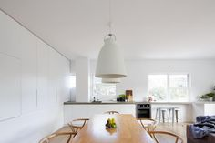 Gladstone Street, Newport, NSW View property details and sold price of Gladstone Street & other properties in Newport, NSW Sunrise Home, Natural Interior, Garden Studio, Gladstone, Slow Living, Pool Houses, Small Spaces, Architecture Design, Ceiling Lights