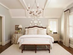 House of Turquoise: Tammy Connor Interior Design - just perfect minus the checks Home Bedroom, Bedroom Decor, Bedroom Photos, Bedroom Ideas, Bedroom Interiors, Bedroom Ceiling, Wall Decor, Bedroom Furniture, Shabby Bedroom
