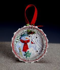 Christmas Ornament Mason Jar lid Snowman with snow by SLDawards Christmas Mason Jars, Christmas Ornament Crafts, Christmas Projects, Handmade Christmas, Holiday Crafts, Christmas Decorations, Jar Lid Crafts, Mason Jar Crafts, Diy Crafts
