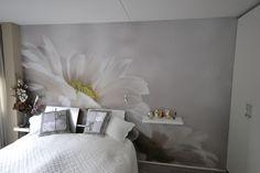 #Artidecco #Deborghprojecten #Wallpaper #Flower #Walldesign #Interior #Natuur #Bloemen #licht #rustgevend #Ruim #Behang #Wooninspiratie #Slaapkamer #Bedroom #Stijl #Style
