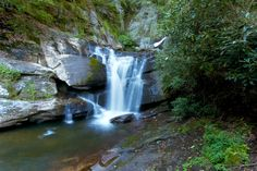 Tumbling Water: Hiking to Dukes Creek Falls in North Georgia #hiking #georgia
