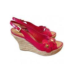 Pre-owned Louis Vuitton Sandals ($329) ❤ liked on Polyvore featuring shoes, sandals, platform sandals, wedge sandals, pink high heel sandals, platform shoes and louis vuitton shoes