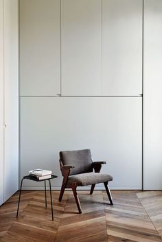 The Kinfolk Home: Miquel Alzueta and África Posse – Kinfolk Interior Architecture, Interior And Exterior, Interior Design Living Room, Interior Decorating, Wall Cupboards, Mid Century Decor, Home And Living, Slow Living, Interior Inspiration